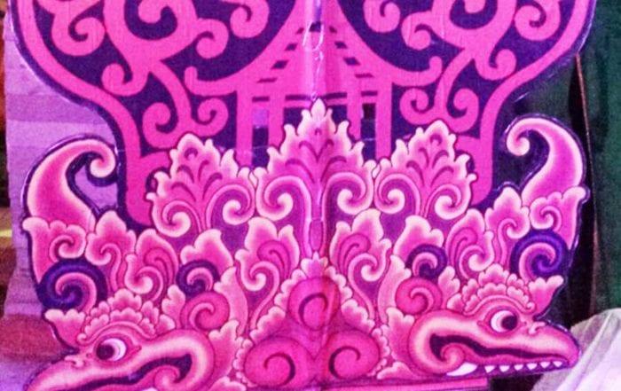 Der Baum des Lebens ist eine Dekoration für Schattenspielen als auch für Tanzbühnen in Bali, Indonesien